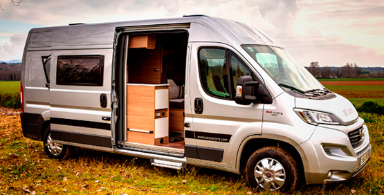 XL McLouis Menfys Maxi Van 3
